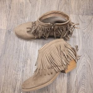 Charlotte Russe booties size 9